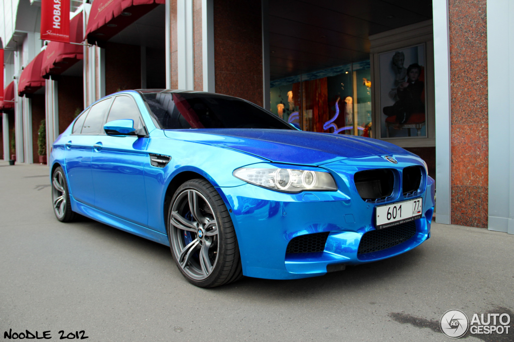 Russian Cranks Up F10 M5 Flash Factor with Chrome Blue BMW M5