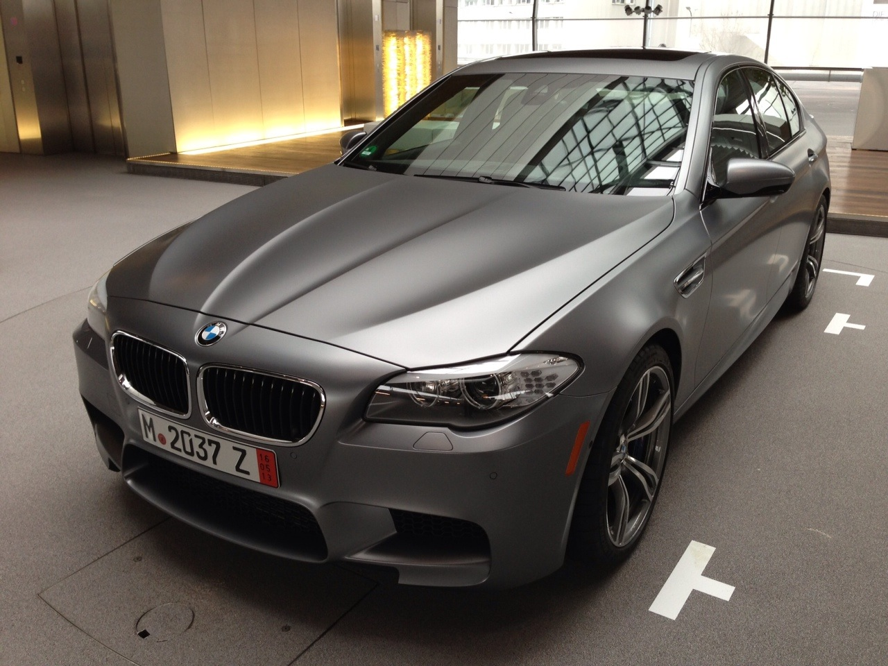European Delivery Of Frozen Grey M5