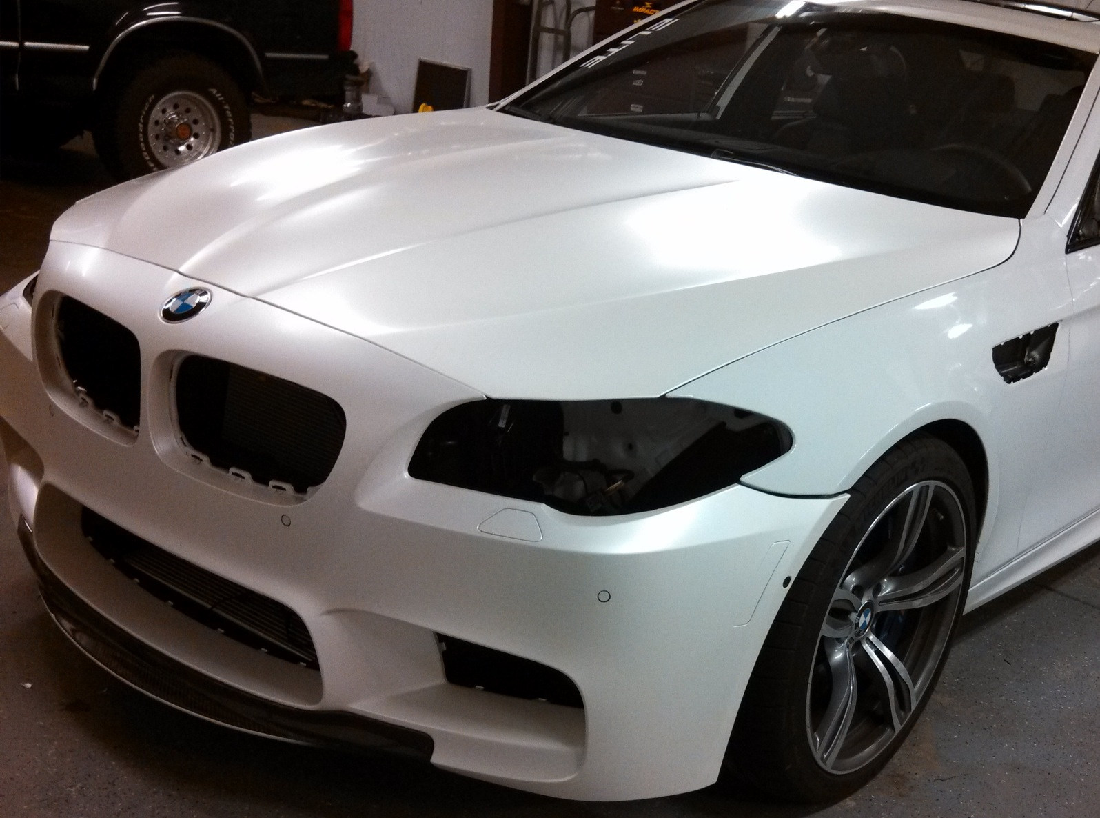 Satin Pearl White M5