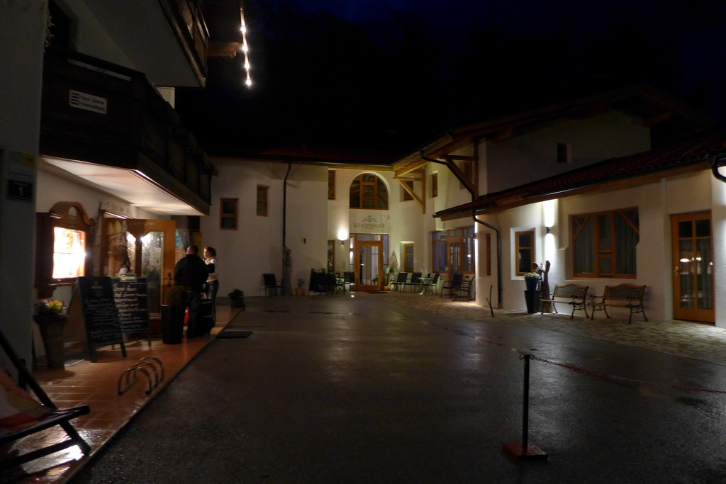 Name:  SchlossBlick Hotel near Kufstein, AustriaP1000934.jpg Views: 3449 Size:  140.4 KB