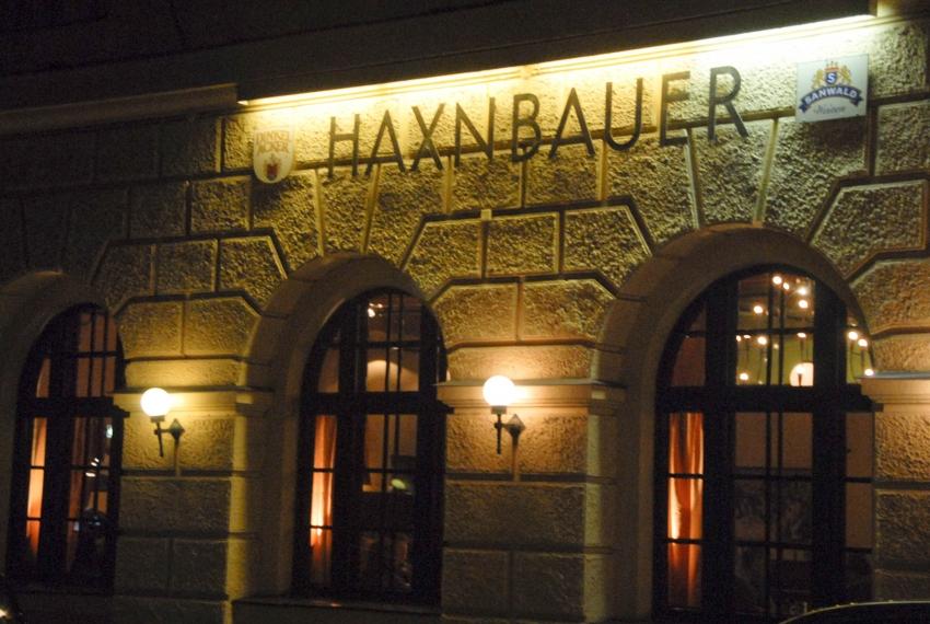 Name:  Haxnbauer im Scholastikahaus .jpg Views: 3025 Size:  412.3 KB