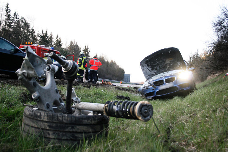 Name:  m5accident7.jpg Views: 174275 Size:  111.3 KB
