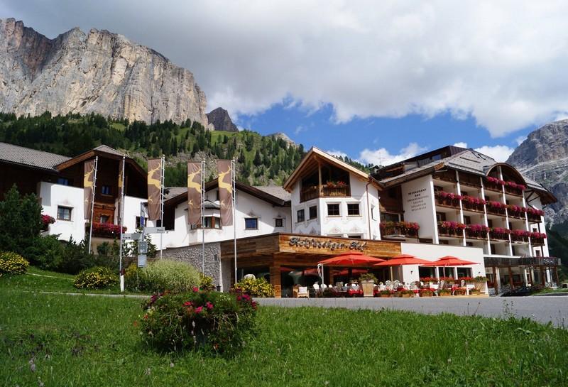 Name:  Sella  Hotel Kolfuschgerhof     10499343_704382849598048_534667051736844303_o.jpg Views: 2897 Size:  155.6 KB