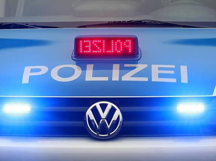 Name:  polizei blaulicht.jpg Views: 3277 Size:  37.3 KB