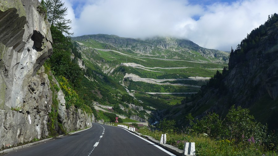 Name:  Furka Pass  P1080474.jpg Views: 1774 Size:  181.5 KB