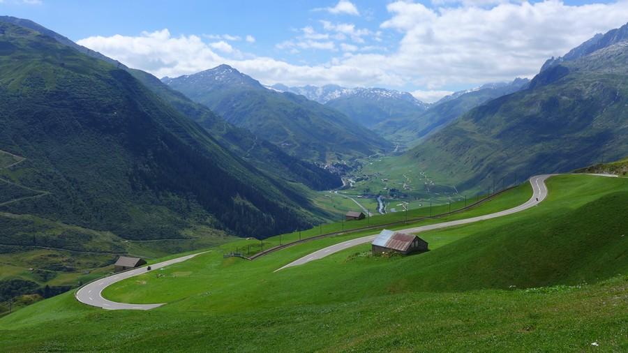 Name:  Furka Pass P1080371.jpg Views: 1755 Size:  153.3 KB