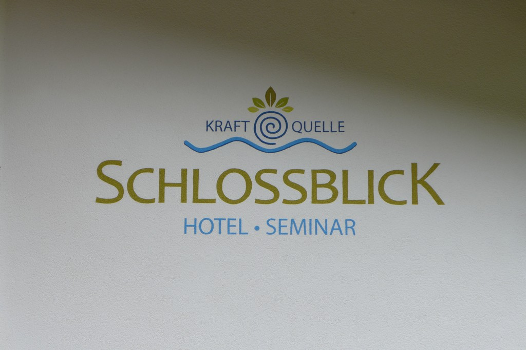 Name:  schloss Blick Hotel Kufstein   P1000990.jpg Views: 5347 Size:  144.2 KB