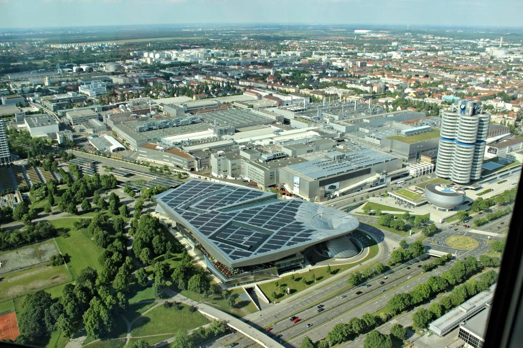 Name:  BMW Welt and Museum and WERK  IMG_8928.jpg Views: 3301 Size:  179.6 KB