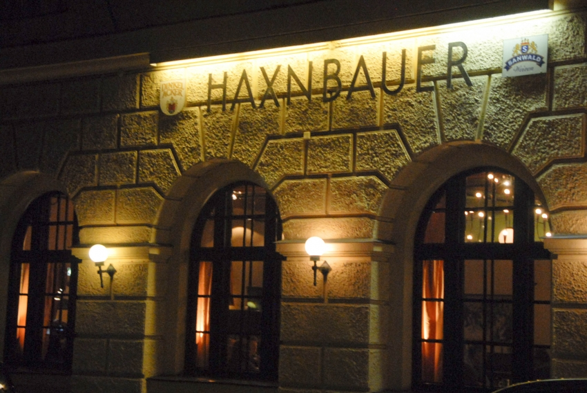 Name:  Haxnbauer im Scholastikahaus .jpg Views: 3265 Size:  412.3 KB