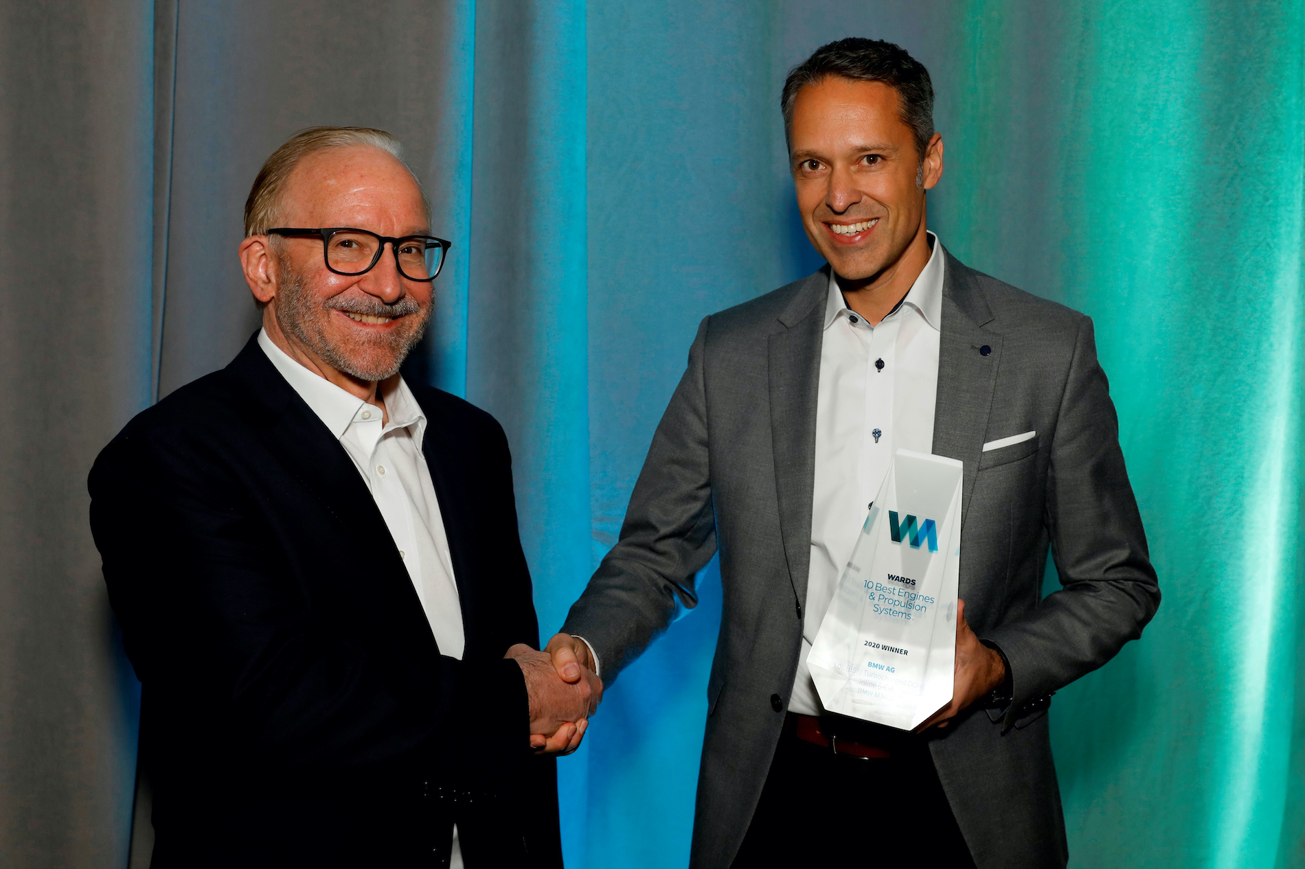 Name:  Ralph_Mahler_Accepting_2020_Wards_10_Best_Engines_and_Powertrain_Award.jpg Views: 11663 Size:  1.99 MB