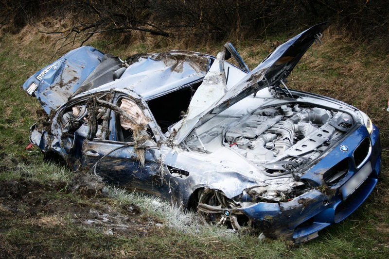 Name:  m5accident5.jpg Views: 201674 Size:  169.2 KB