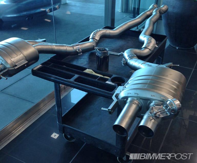 Name:  m5-m6-m-performanceexhaust-2.jpg Views: 18244 Size:  153.9 KB