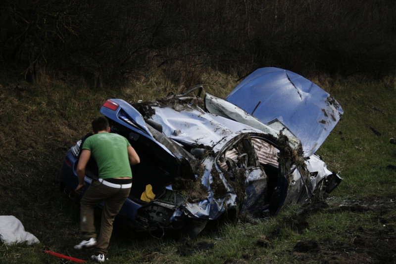 Name:  m5accident4.jpg Views: 189256 Size:  103.5 KB