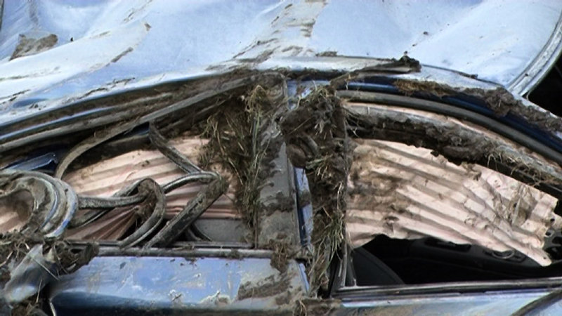 Name:  m5accident6.jpg Views: 167784 Size:  92.5 KB