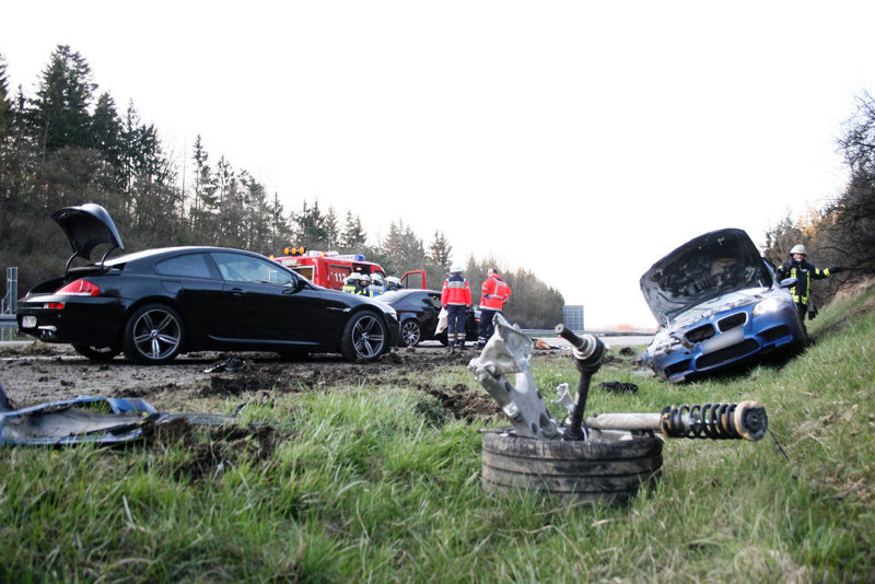 Name:  m5accident3.jpg Views: 181883 Size:  116.7 KB