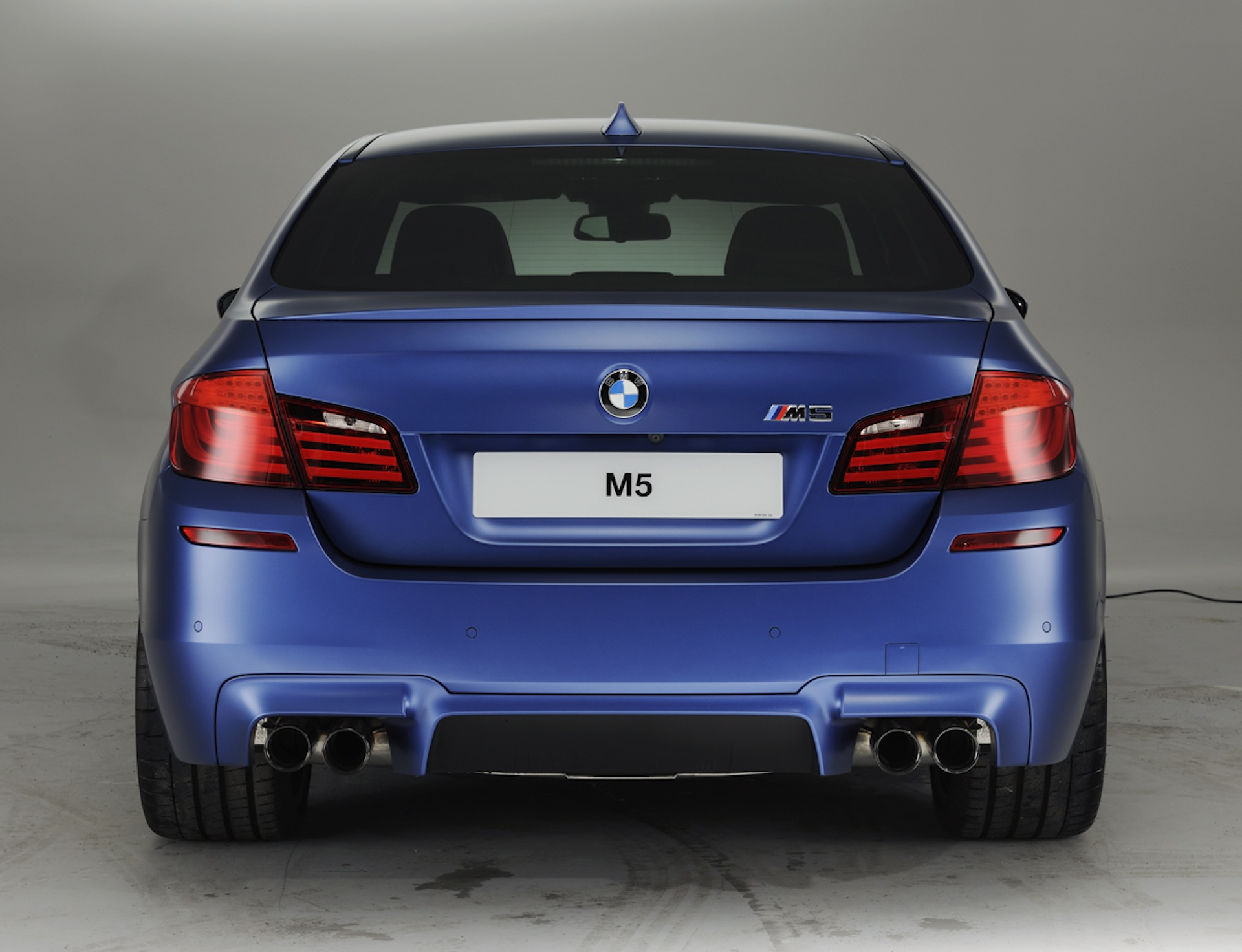 Official Release and Gallery: Frozen BMW M3 and M5 M Performance ...